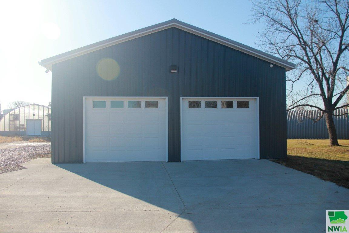 Property for sale at 179 4th Ave Ne, Lemars,  Iowa 51031