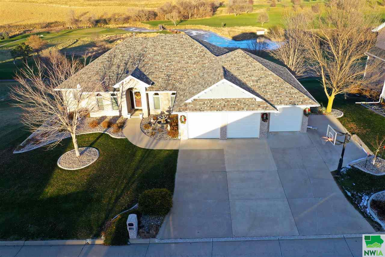 Property for sale at 872 Springbrook Drive, Hinton,  Iowa 51024