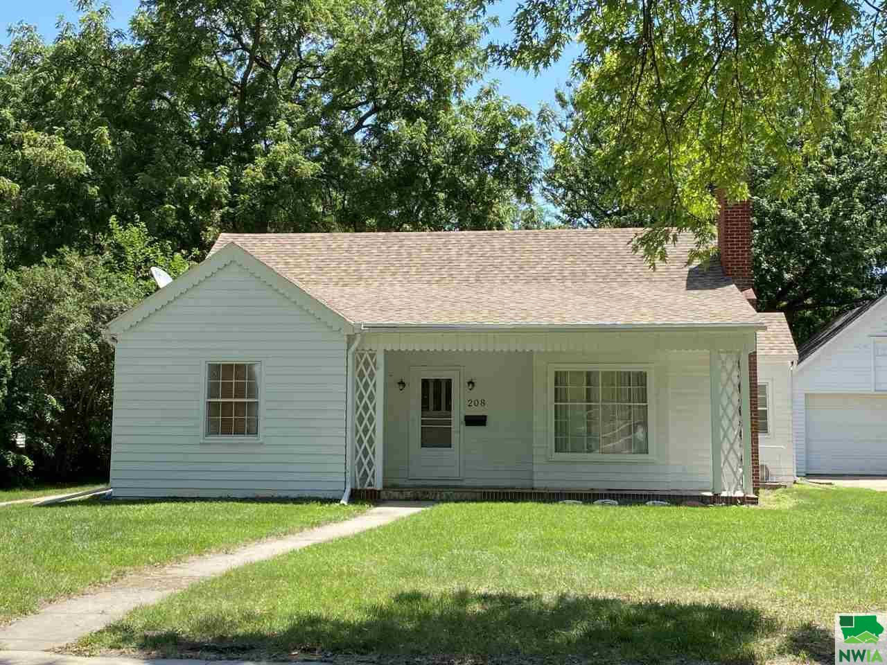 Property for sale at 208 S Yale, Vermillion,  South Dakota 57069