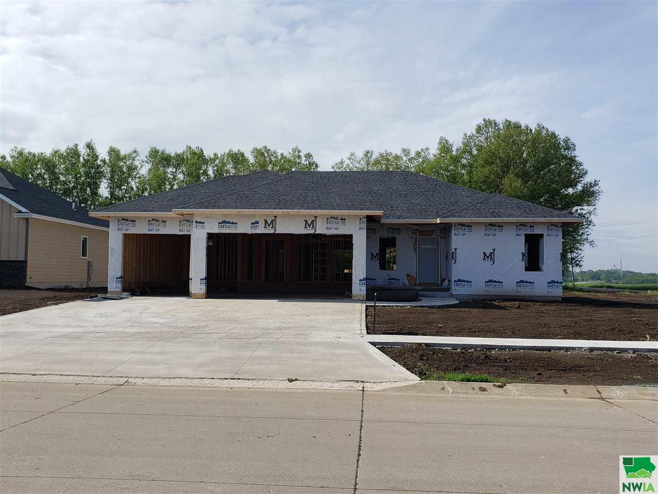 Property for sale at 808 Pga Dr., Lemars,  Iowa 51031