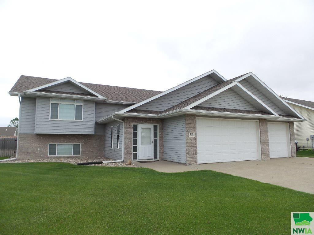 Property for sale at 414 Coniston Circle, Sergeant Bluff,  Iowa 51054