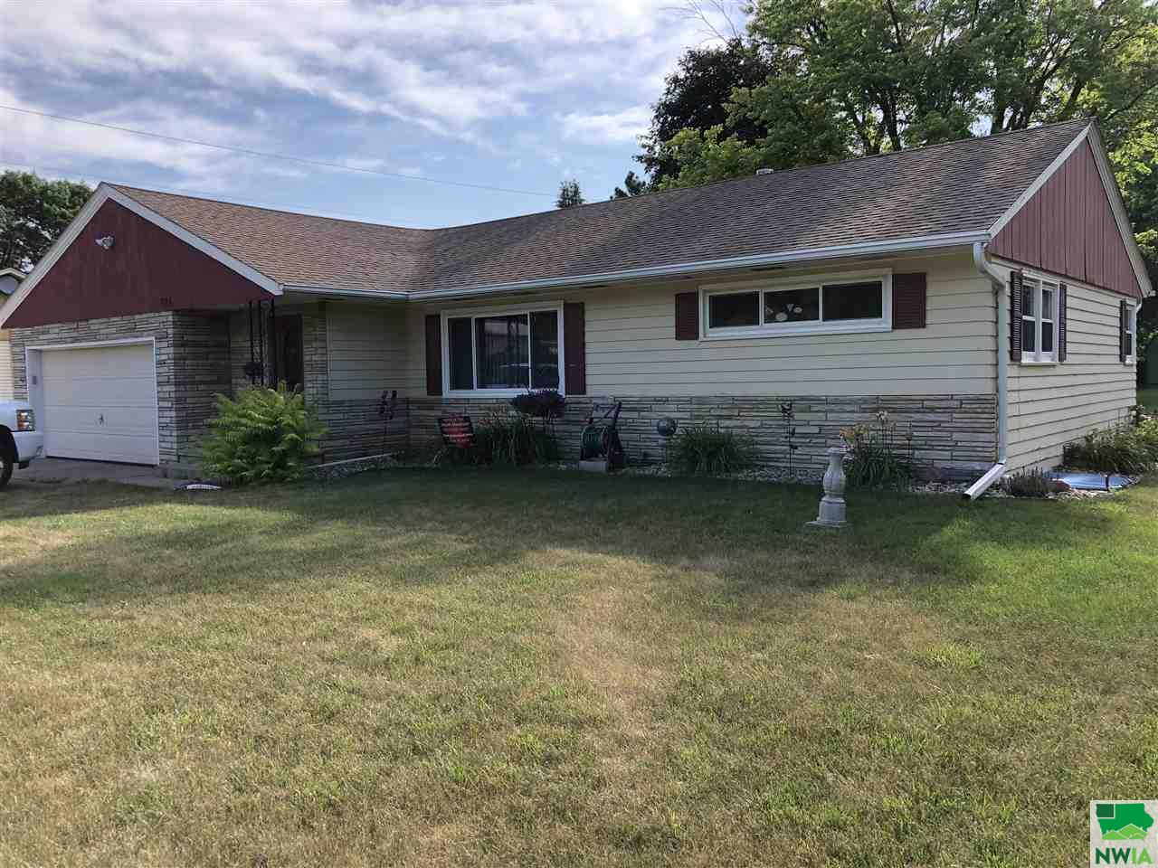 Property for sale at 124 10th Ave Se, Lemars,  Iowa 51031