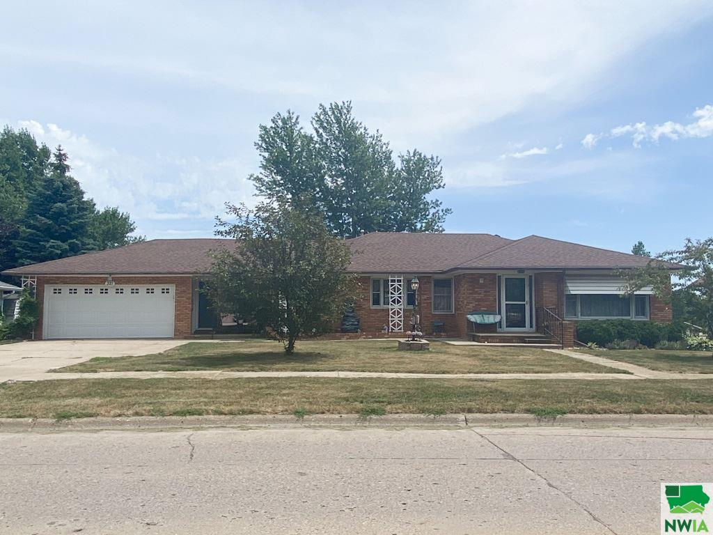 Property for sale at 321 Albany Ave Se, Orange City,  Iowa 51041