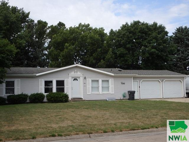 Property for sale at 661 7th Avenue Nw, Sioux Center,  Iowa 51259