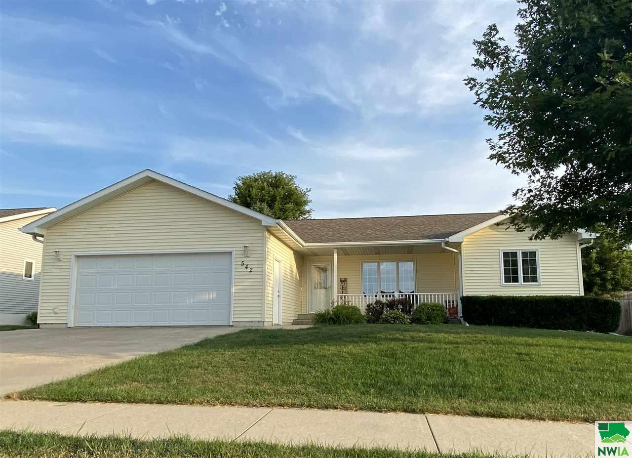 Property for sale at 542 15th St Sw, Lemars,  Iowa 51031
