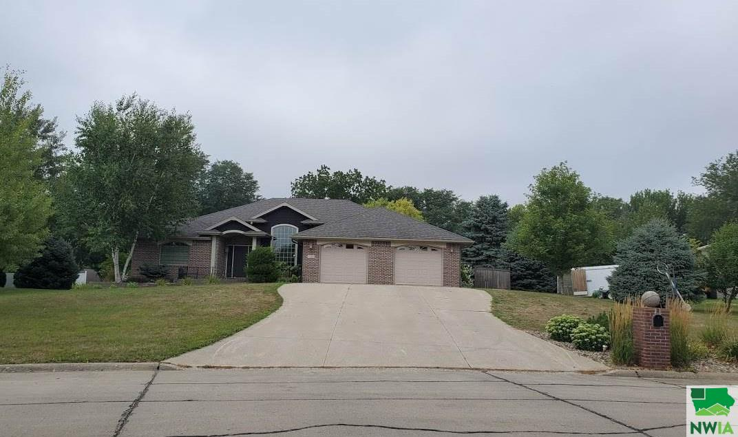 Property for sale at 1105 Eastside Drive, Sioux Center,  Iowa 51250