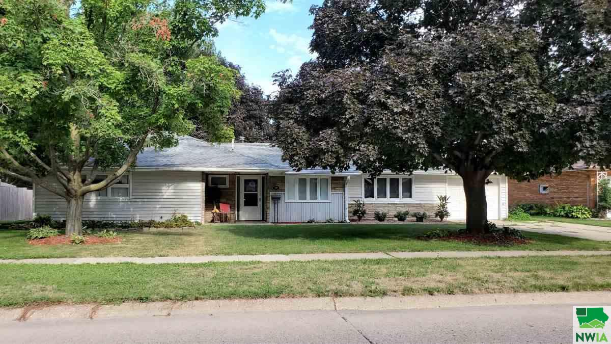 Property for sale at 315 Albany Ave Se, Orange City,  Iowa 51041
