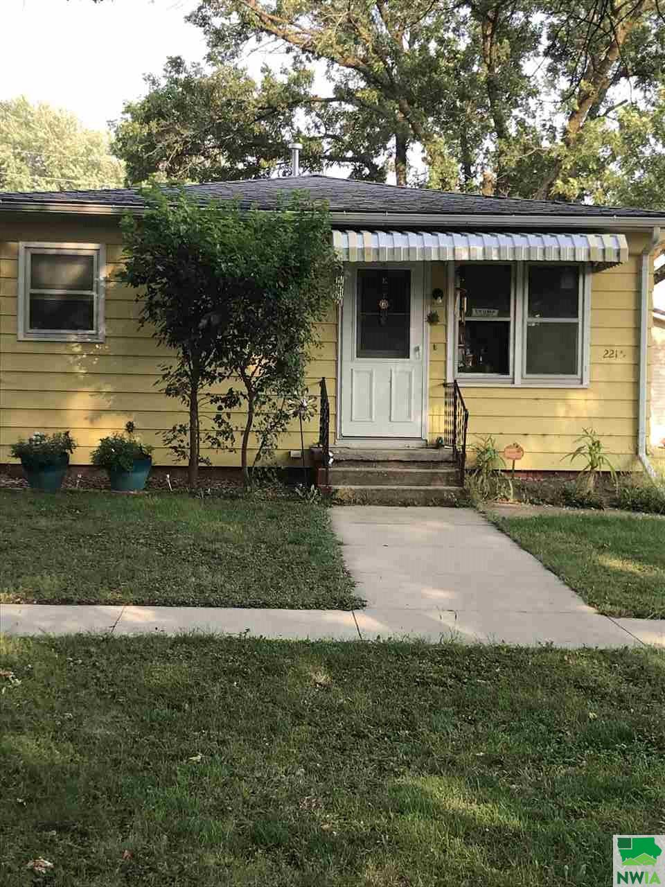 Property for sale at 221 1/2 Barre St, Kingsley,  Iowa 51028