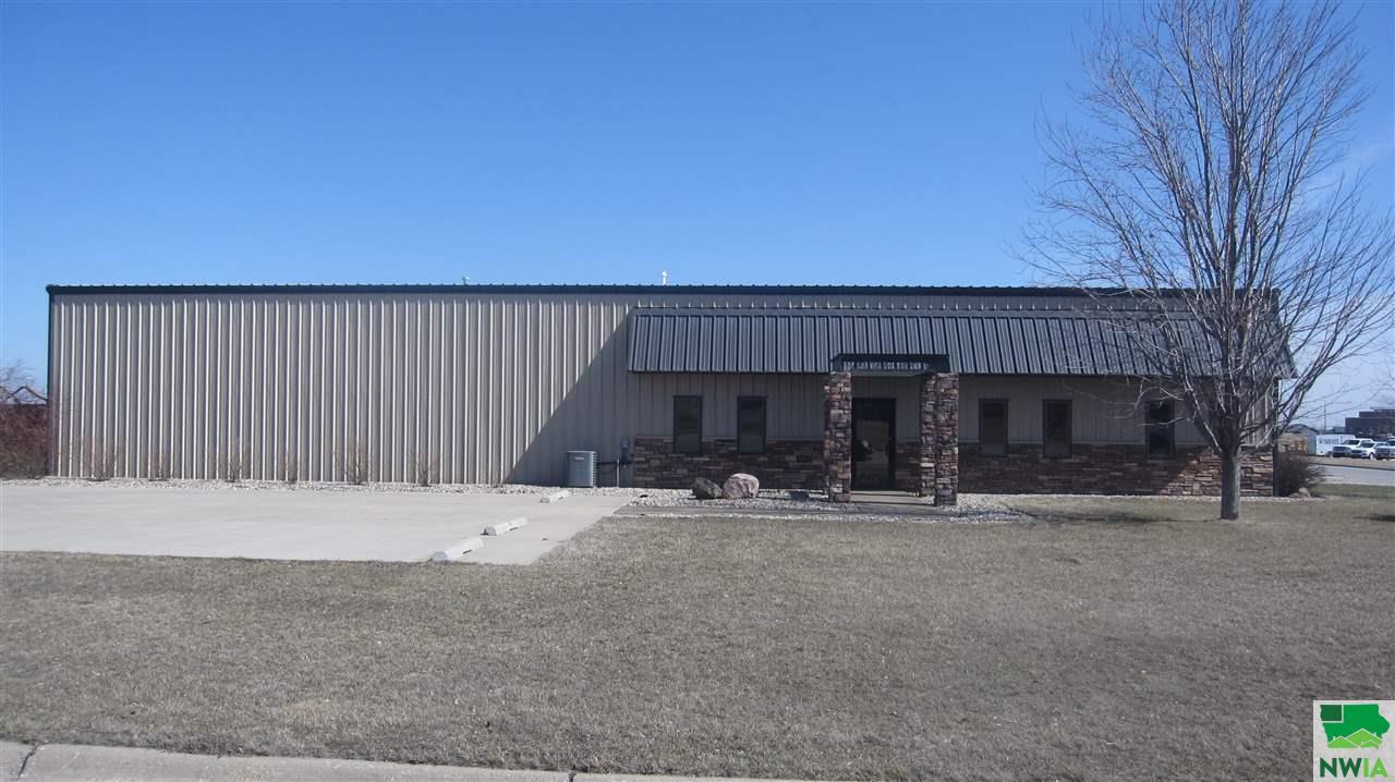 1600 4th Ave NE, Sioux Center, Iowa 51250