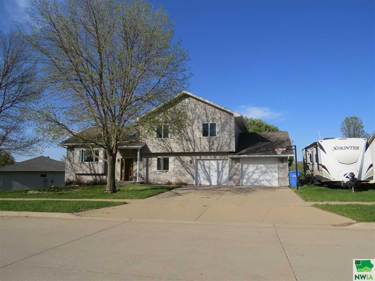 1650 4th Ave. SW, LeMars, Iowa 51031