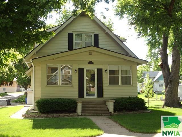 105 2nd Avenue NE, Sioux Center, Iowa 51250