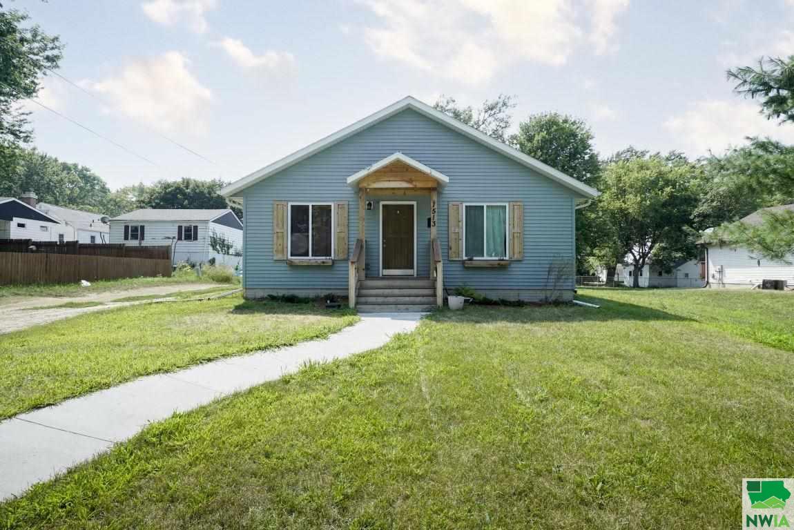 1513 LAKEPORT ST S, Sioux City, Iowa 51106