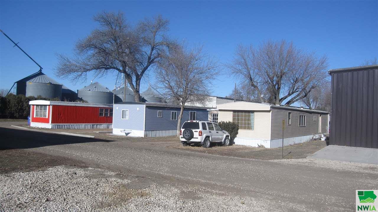 172 6th St NW, Sioux Center, Iowa 51250