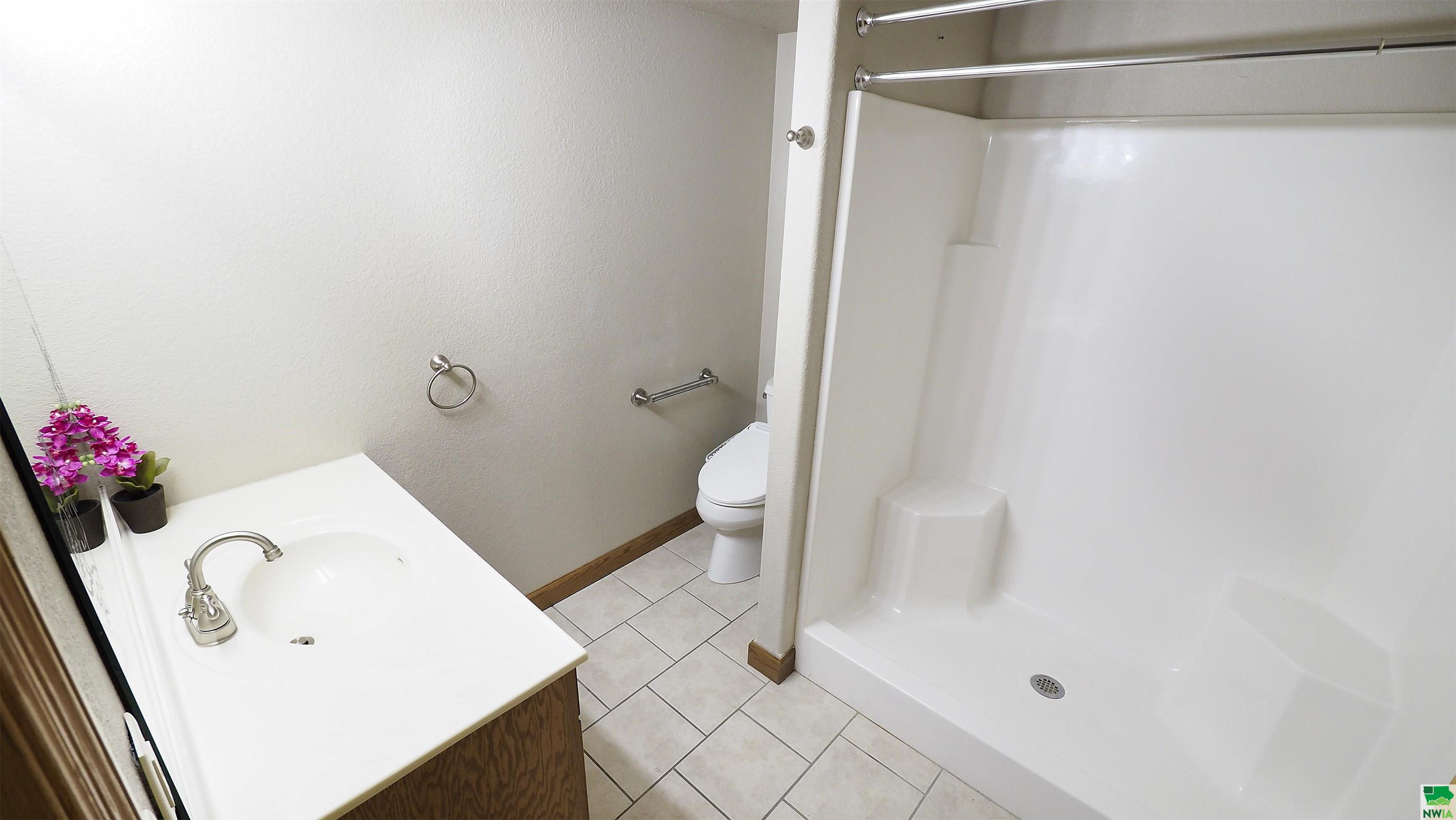 Homes For Sale at Golf View Place