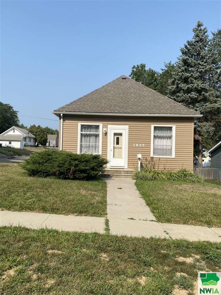 1845 S Olive St, Sioux City, Iowa 51106