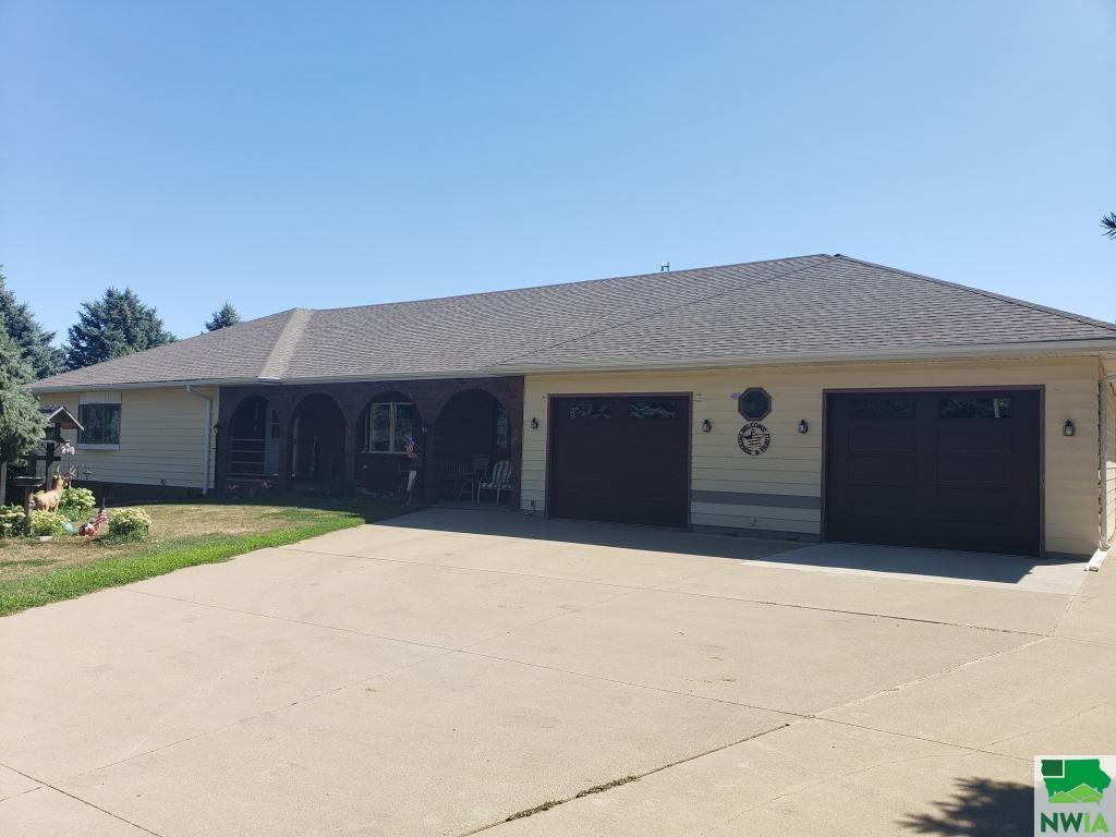 1858 Glen Ellen Rd, Sioux City, Iowa 51106