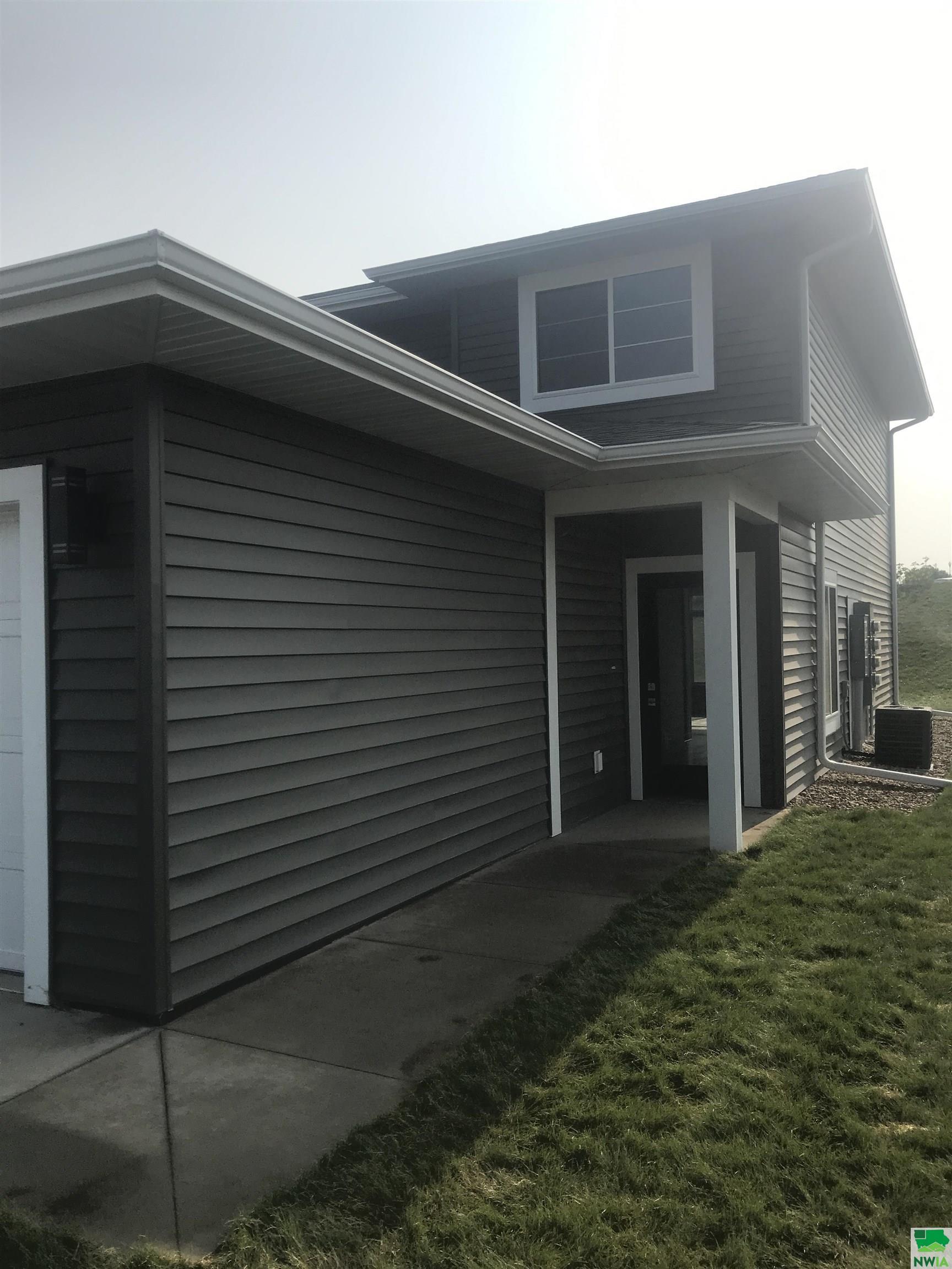 1208 PRAIRIEVIEW DR SW, LeMars, Iowa 51031