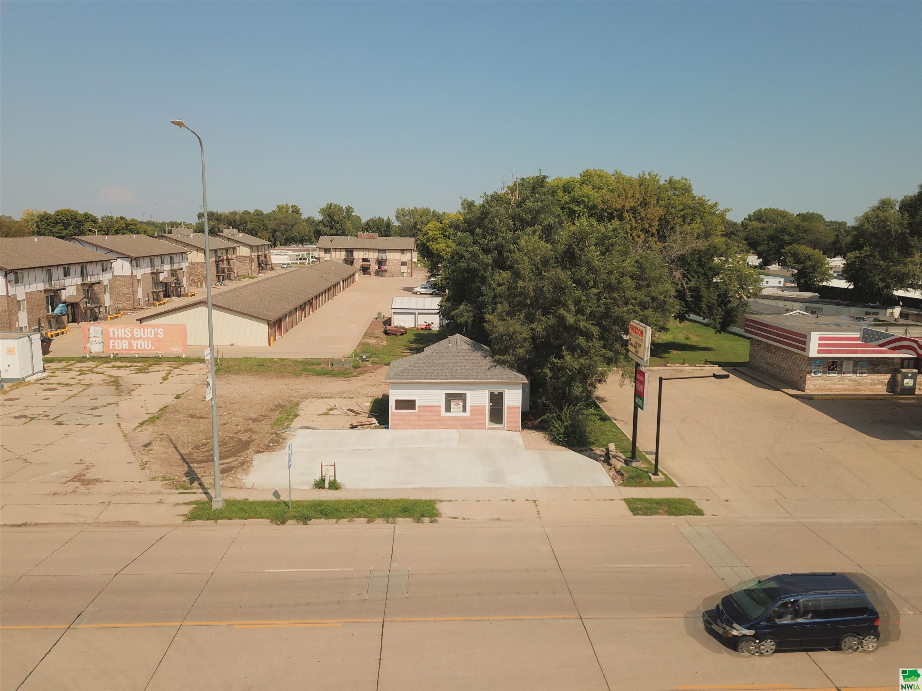 820 Cherry St E, Vermillion, SD 50769