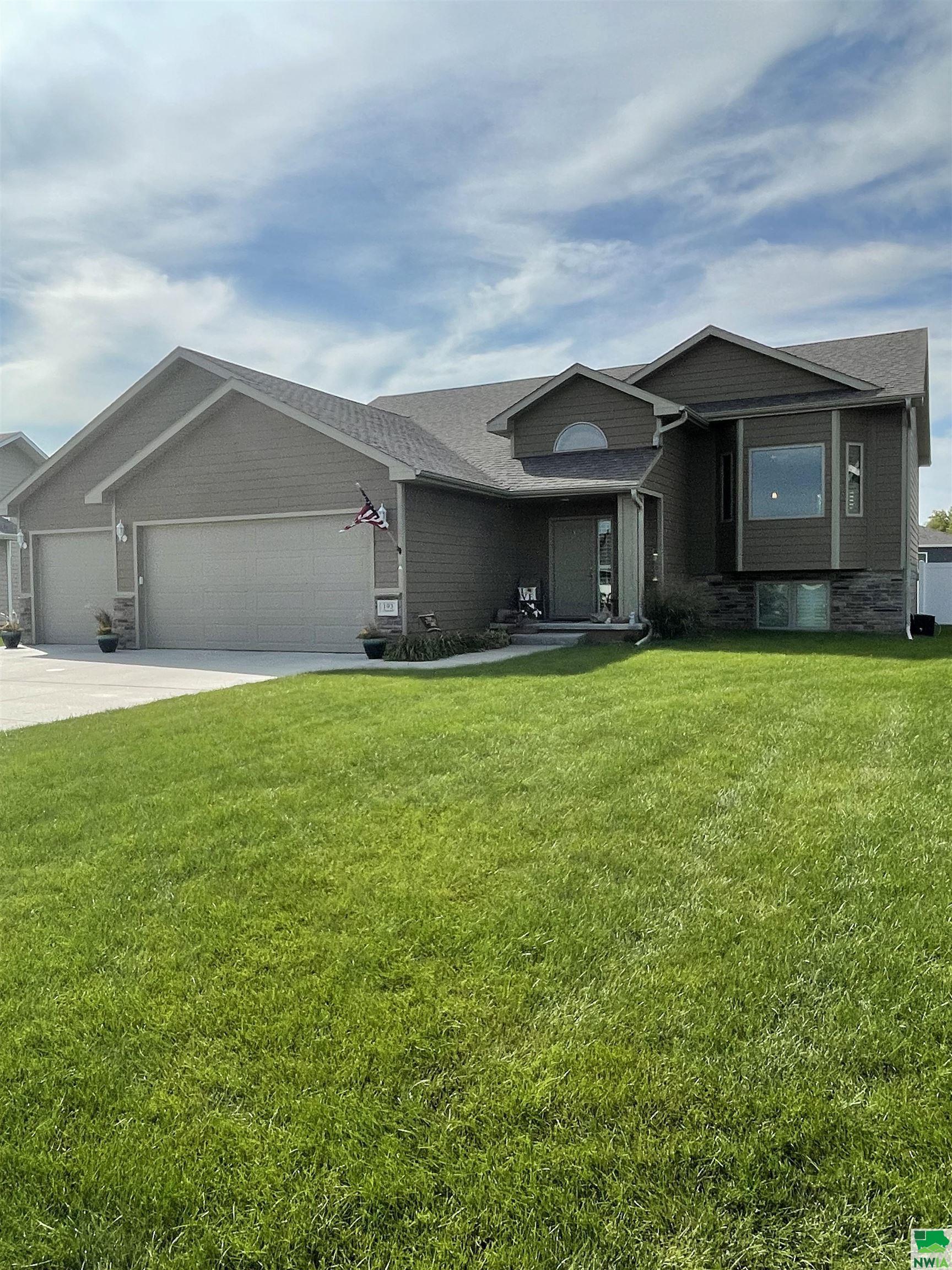 193 Churchill Circle N, No. Sioux City, SD 57490