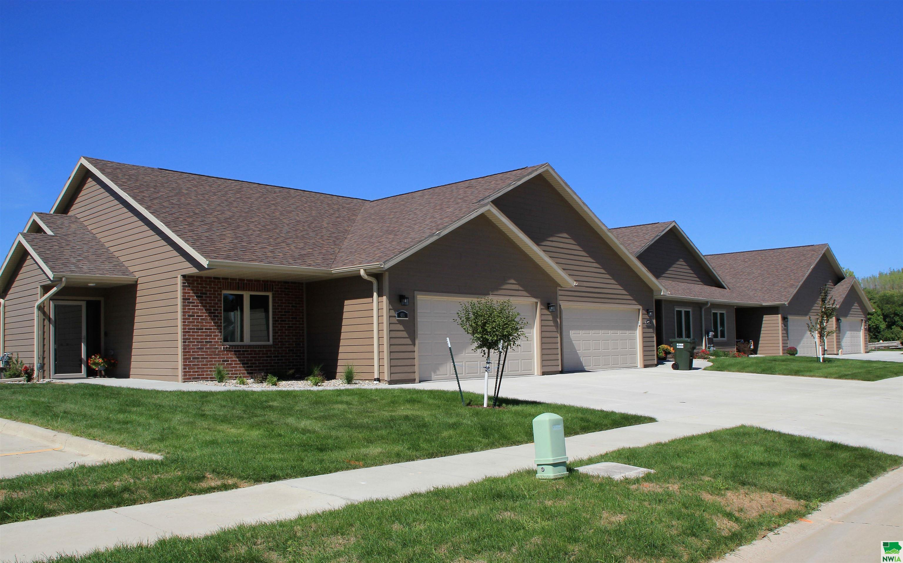 Homes For Sale at Prairie Bluff