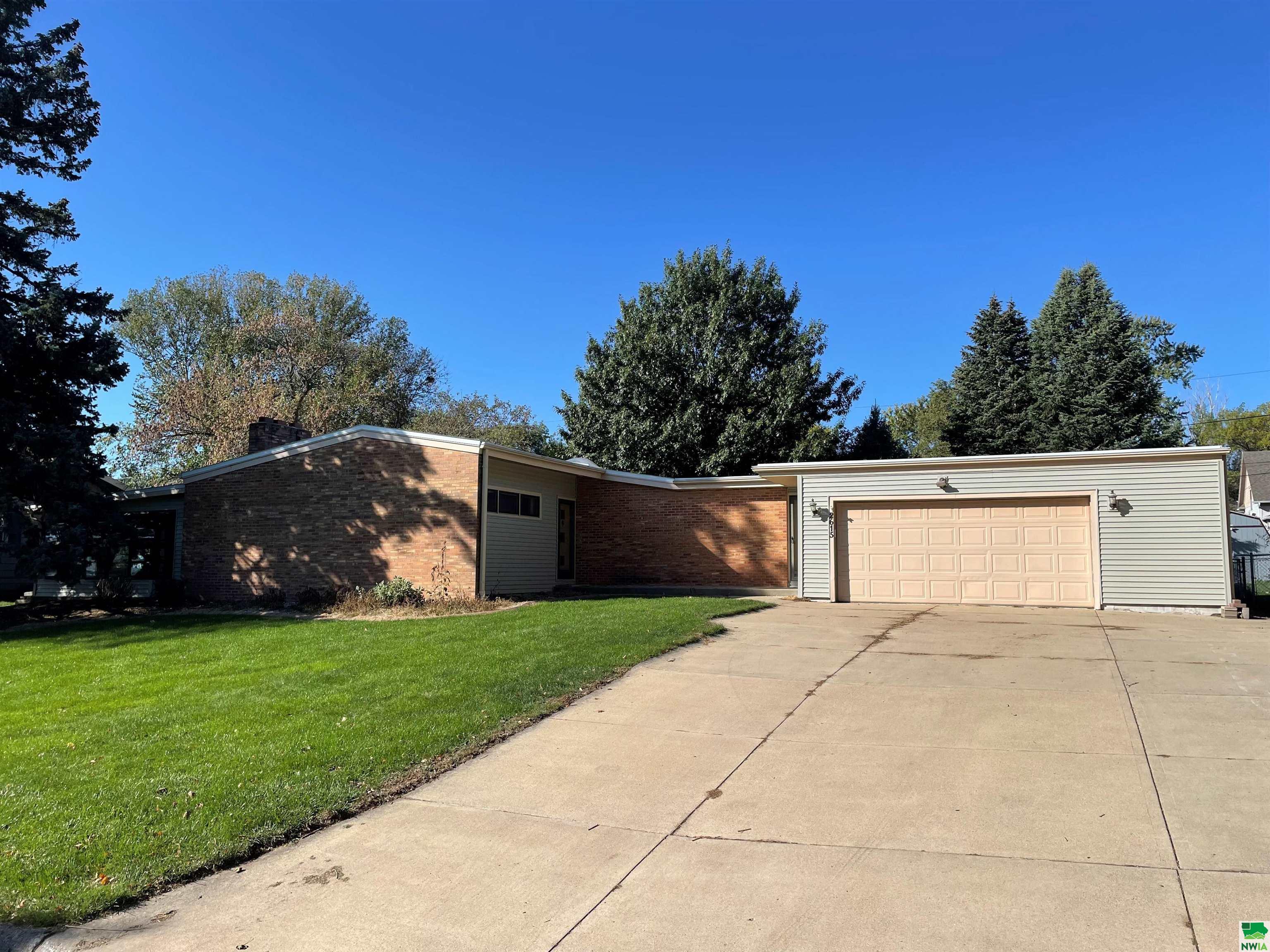 2615 Maple S, Sioux City, Iowa 51106