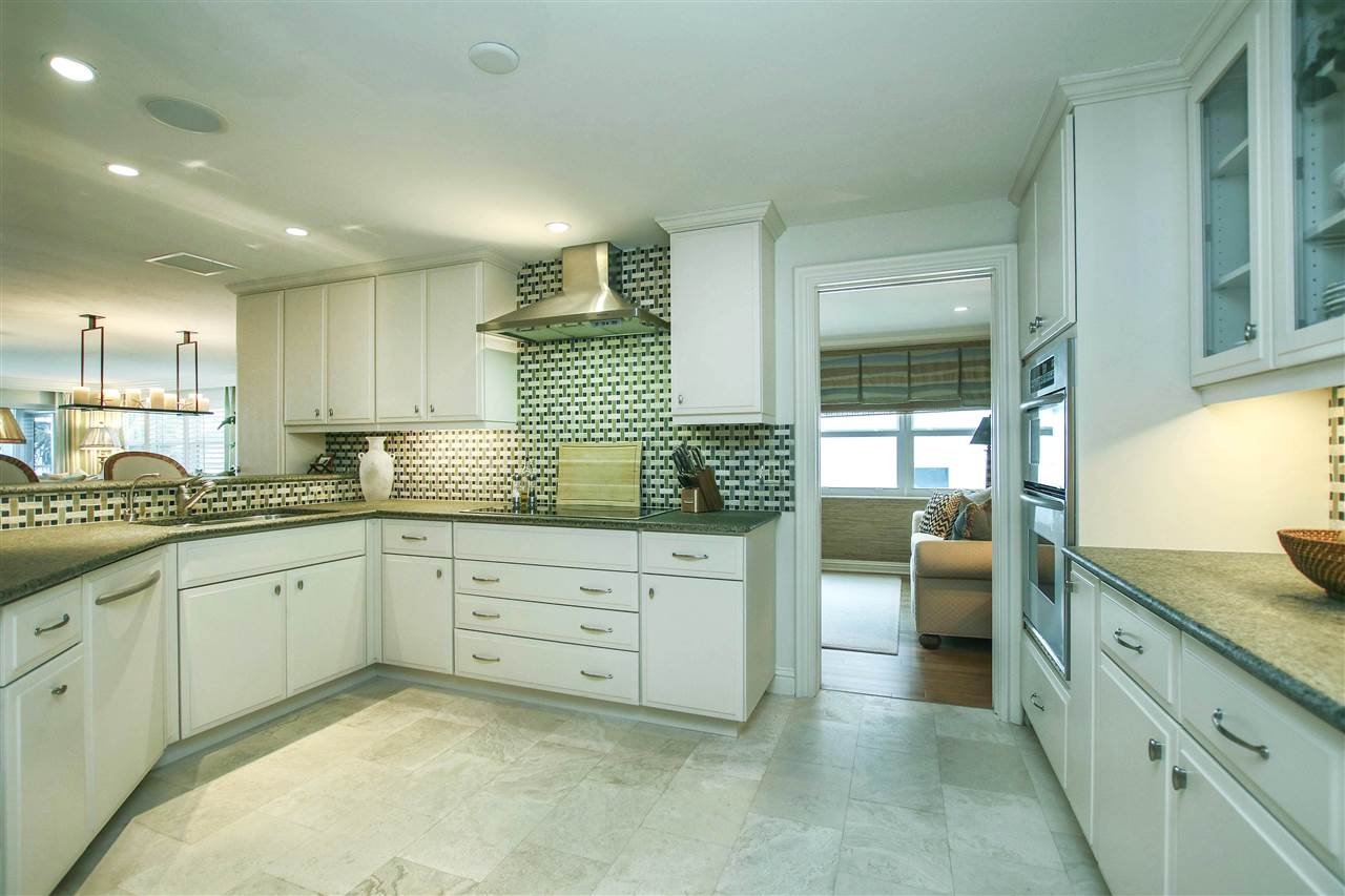 2659 West Gulf Drive #B302, Sanibel, FL 33957