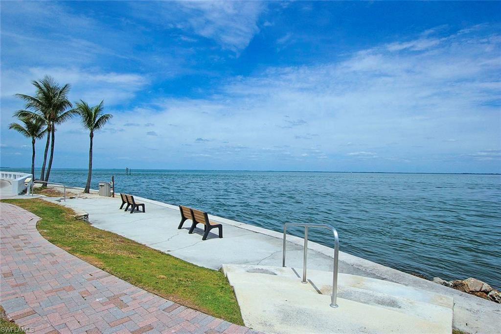 1251 S Seas Plantation Rd, Captiva, FL 33924
